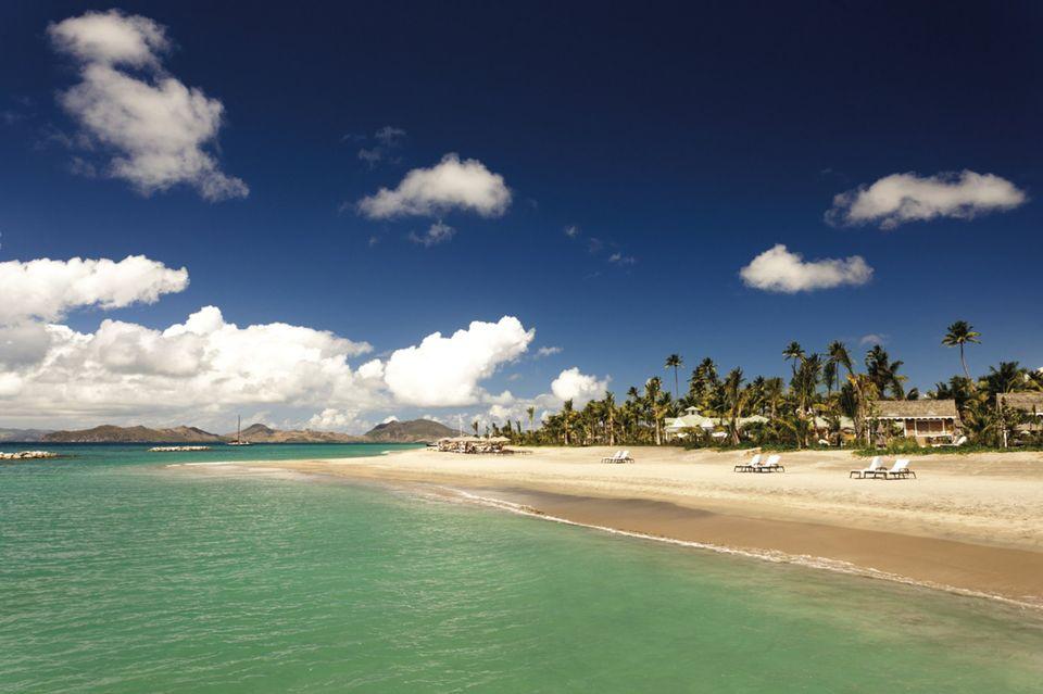 Nevis_Beach