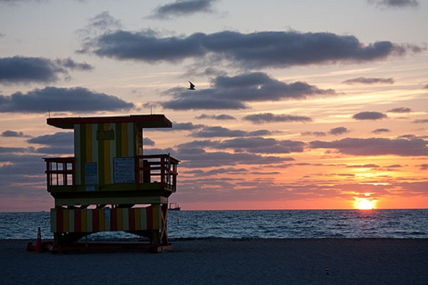 1-MiamiSouthBeach-Sunrise-a